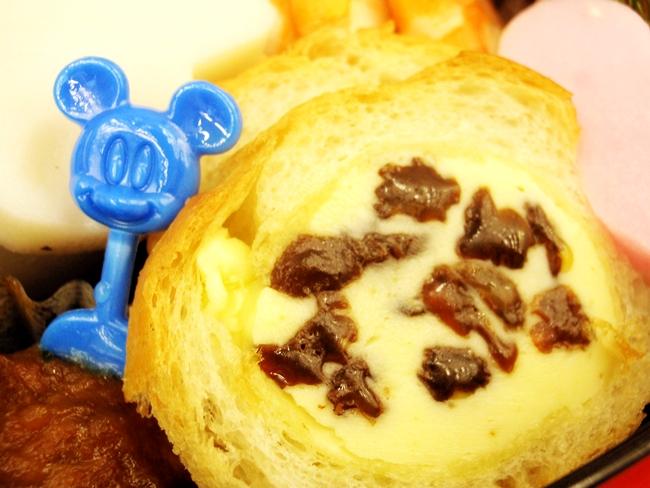 おせち ミッキーマウスシルエット三段重 (8)