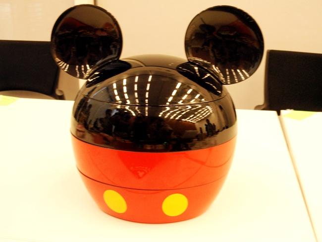 おせち ミッキーマウスシルエット三段重 (3)